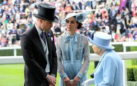 Кейт Миддлтон поразила всех роскошным голубым нарядом