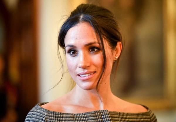Королева запретила невестке носить джинсы и короткие юбки