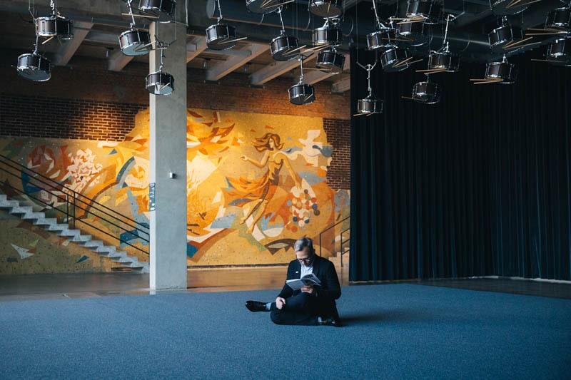 """Антон Белов: """"Искусство – это способ прожить много других жизней""""."""